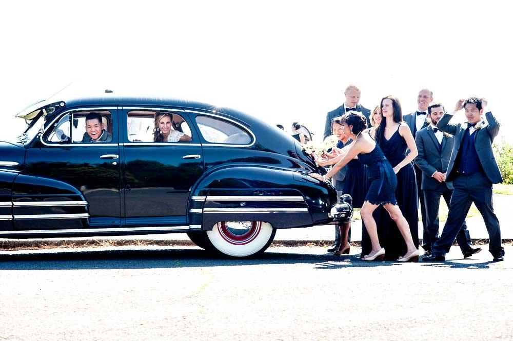 seattle wedding photo pose